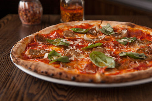 Italian Pizza Restaurant in Phoenix Shea and 32nd Street